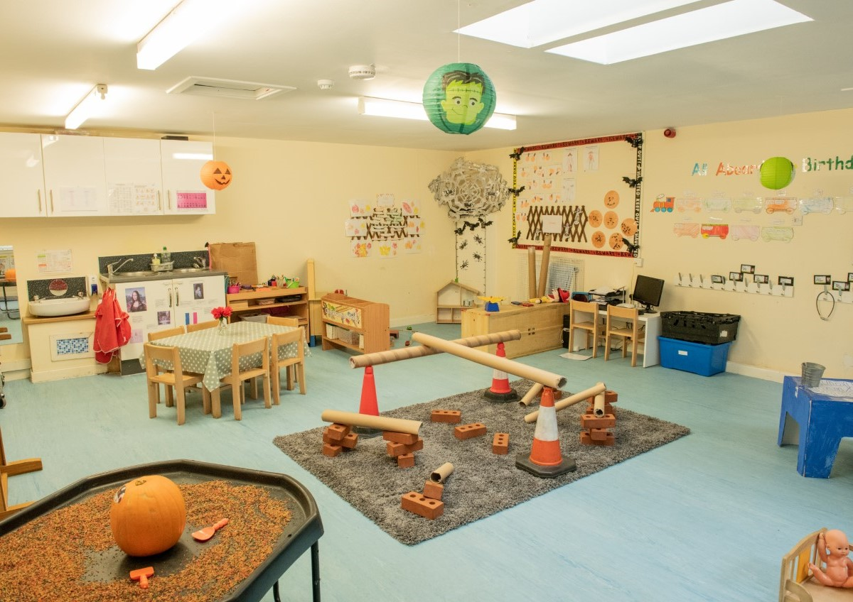 Glencoats Lodge Nursery 3-5 room