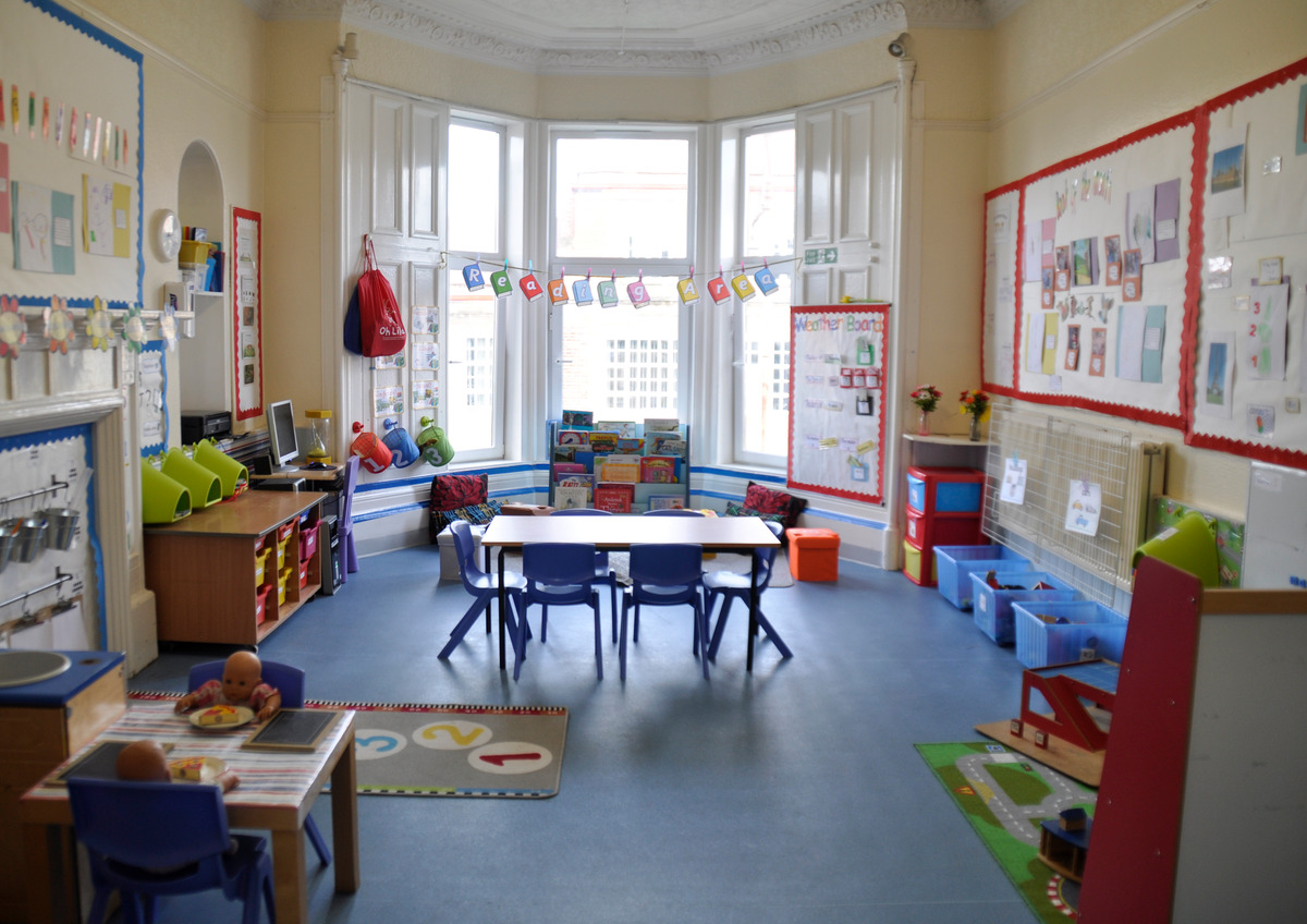 Mayfield Nursery 3-5 room